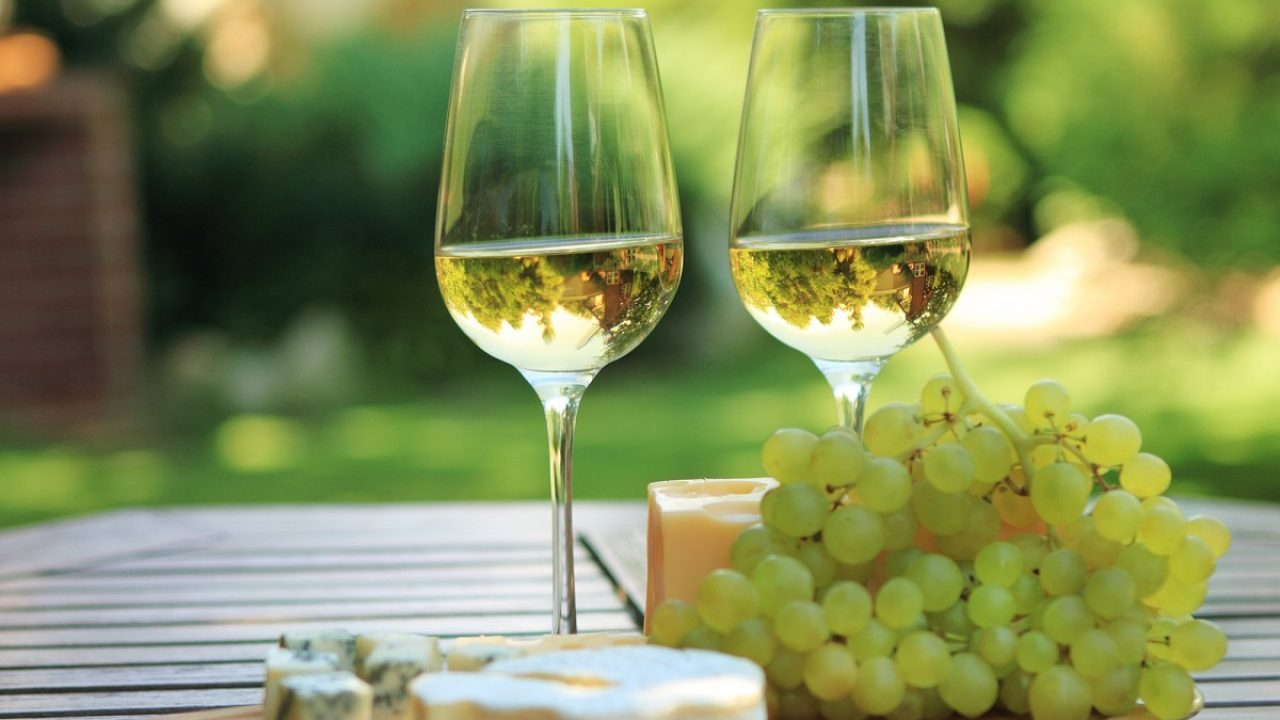 Buy Quality White Wine with Ease Online